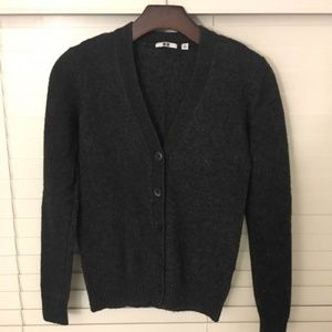 Uniqlo Dark gray XS sweater/cardigan